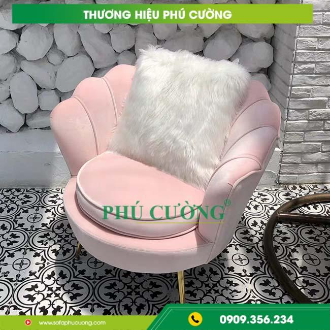 Chọn ghế sofa nhập khẩu màu nóng cho gia chủ mệnh Hỏa 2